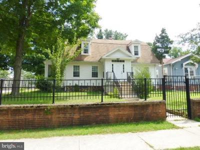 Bridgeton Single Family Home For Sale: 111 East Avenue