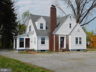 Vineland Commercial For Sale: 132 S Main Road