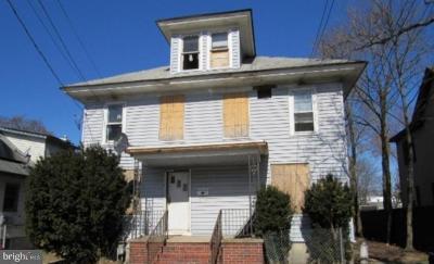 Millville Multi Family Home For Sale: 208 D Street
