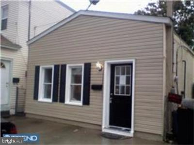 Gloucester City Single Family Home For Sale: 328 Jersey Avenue
