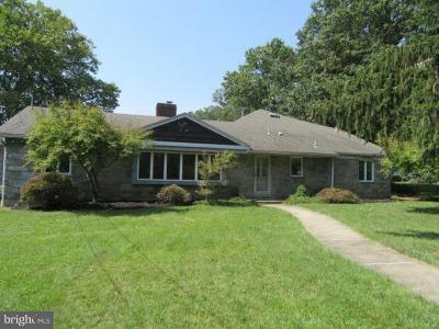 Merchantville Single Family Home For Sale: 120 Greenleigh Court