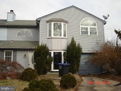 Lindenwold Single Family Home For Sale: 4 Pinehurst Court