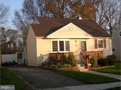 Runnemede Single Family Home For Sale: 27 E 11th Avenue