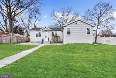 Somerdale Single Family Home For Sale: 640 E Preston Avenue