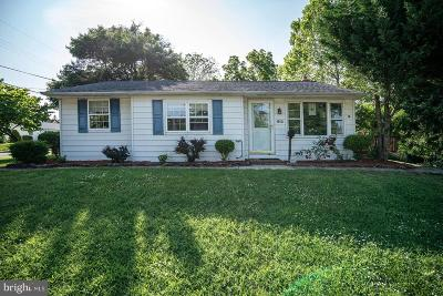 Lindenwold Single Family Home For Sale: 810 Cottage Avenue
