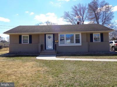 Somerdale Single Family Home For Sale: 815 Willow Way