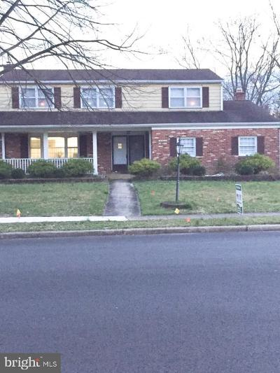 Cherry Hill Single Family Home For Sale: 1820 Morris Dr