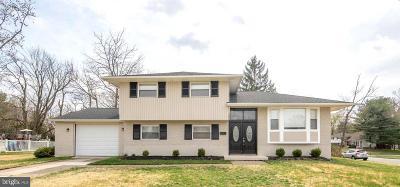 Somerdale Single Family Home For Sale: 1000 Lynnwood Lane