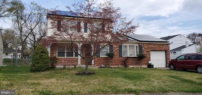 Pennsauken Single Family Home For Sale: 2567 Burning Tree Ct