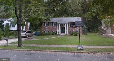 Cherry Hill Single Family Home For Sale: 15 Lloyd Avenue