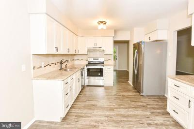 Cherry Hill Single Family Home For Sale: 1909 Huntington Drive