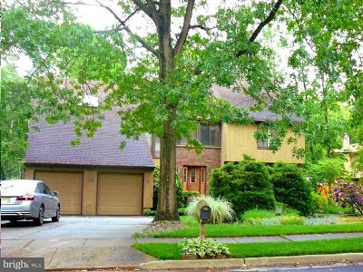 Voorhees Single Family Home For Sale: 10 Cedar Hill Court