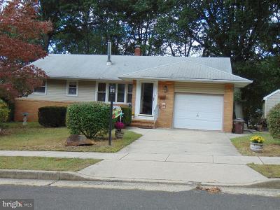 Pennsauken Single Family Home For Sale: 6135 Forrest Avenue