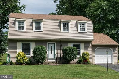 Cherry Hill Single Family Home For Sale: 33 Strathmore Drive
