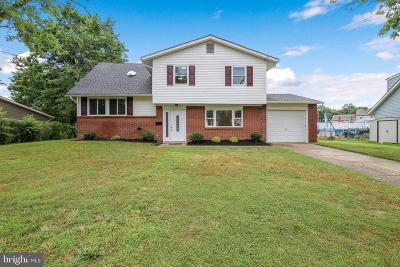 Gibbsboro Single Family Home For Sale: 4 Chatham Road