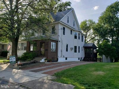 Oaklyn Single Family Home For Sale: 7 E Lakeview Avenue