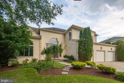 Cherry Hill Single Family Home For Sale: 102 Saddlebrook Court