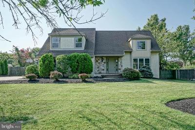 Cherry Hill Single Family Home For Sale: 6 Country Walk