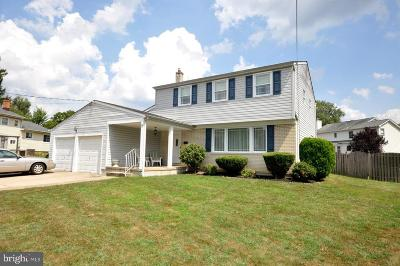 Cherry Hill Single Family Home For Sale: 28 Black Latch Lane