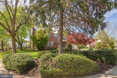 Cherry Hill Single Family Home For Sale: 2 Spring Ct