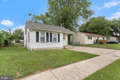 Lindenwold Single Family Home For Sale: 633 8th Avenue