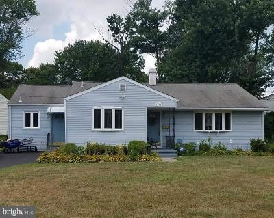 Cherry Hill Single Family Home For Sale: 1815 Berlin Road