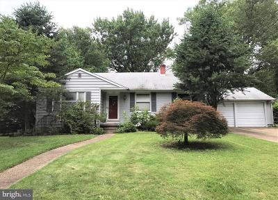 Cherry Hill Single Family Home For Auction: 132 Covered Bridge Road