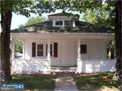 Woodbury Single Family Home For Sale: 142 West Street