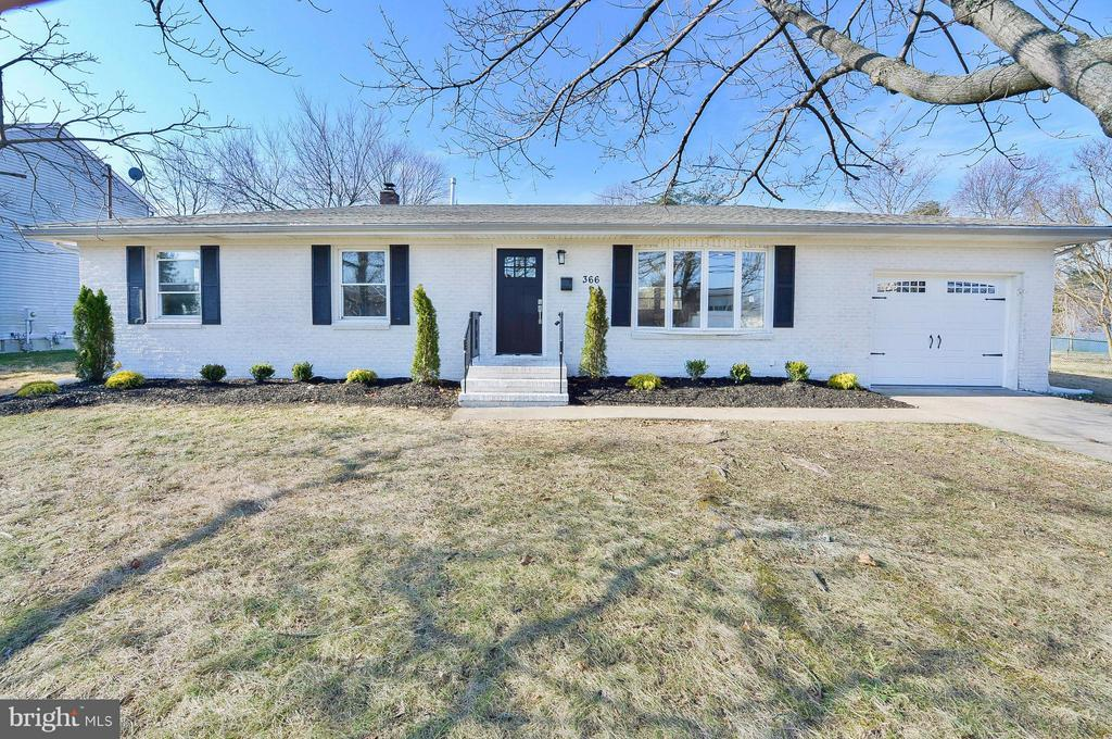 3 bed/2 bath Home in Mantua for $239,900
