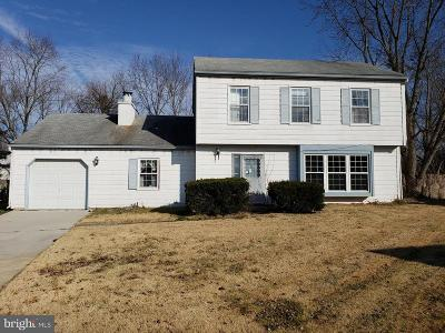 Swedesboro Single Family Home For Sale: 22 Maplewood Pl