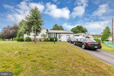Deptford Single Family Home For Sale: 39 Jones
