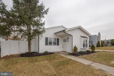 Swedesboro Single Family Home For Sale: 13 Cedar Place