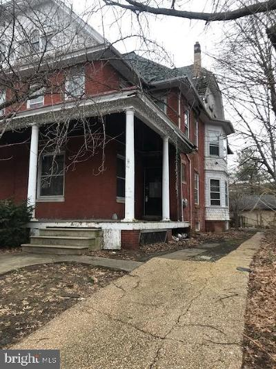 Woodbury Single Family Home For Sale: 44 Curtis Avenue