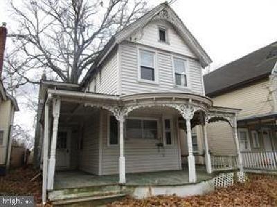Pitman Single Family Home For Sale: 202 West Avenue