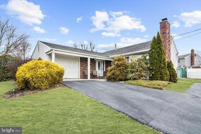 Turnersville Single Family Home For Sale: 110 Whitman Drive