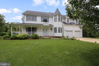 Swedesboro Single Family Home For Sale: 137 Fox Run