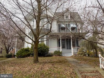 Swedesboro Single Family Home For Sale: 1711 Kings Hwy