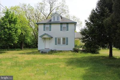 Clayton Single Family Home For Sale: 821 N Delsea Drive