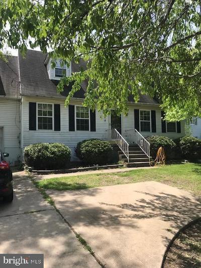 Swedesboro Single Family Home For Sale: 70 Glen Echo Avenue