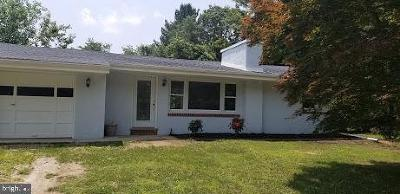 Sicklerville Single Family Home For Sale: 323 Johnson Road