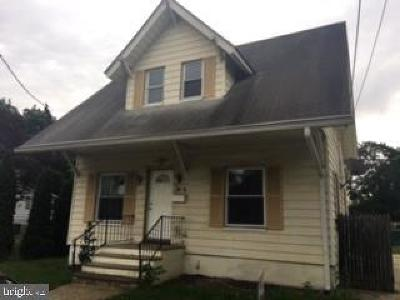 Paulsboro Single Family Home For Sale: 340 W Buck Street