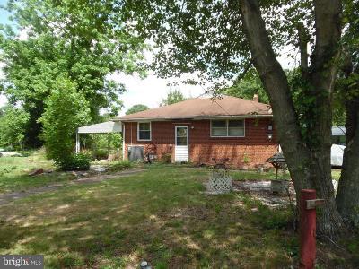 Glassboro Single Family Home For Sale: 151 Peace Lane