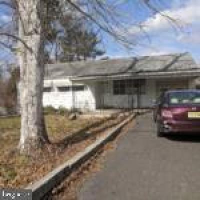 Paulsboro Single Family Home For Sale: 619 Mantua Grove Road
