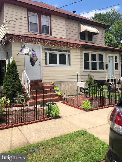 Paulsboro Single Family Home For Sale: 394 Dupont Avenue