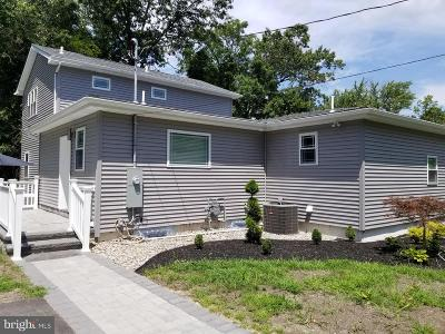 Gloucester County Single Family Home For Sale: 3225 Lakeside Drive