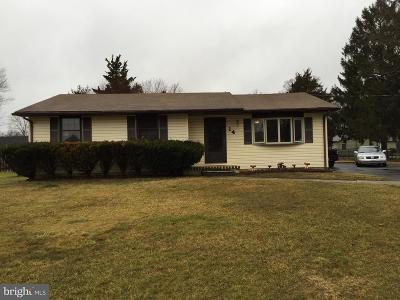 Newfield Single Family Home For Sale: 14 Hunter Drive