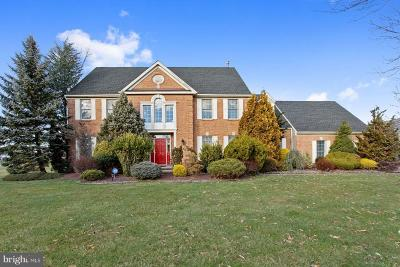 Princeton Junction Single Family Home For Sale: 1 Sparrow Drive