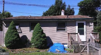 Hamilton Single Family Home For Sale: 16 Pilgrim