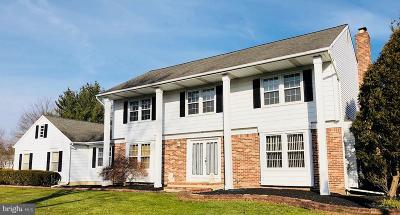 Princeton Junction Single Family Home For Sale: 2 Yorkville Way