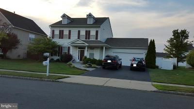 East Windsor Single Family Home For Sale: 18 Keswick